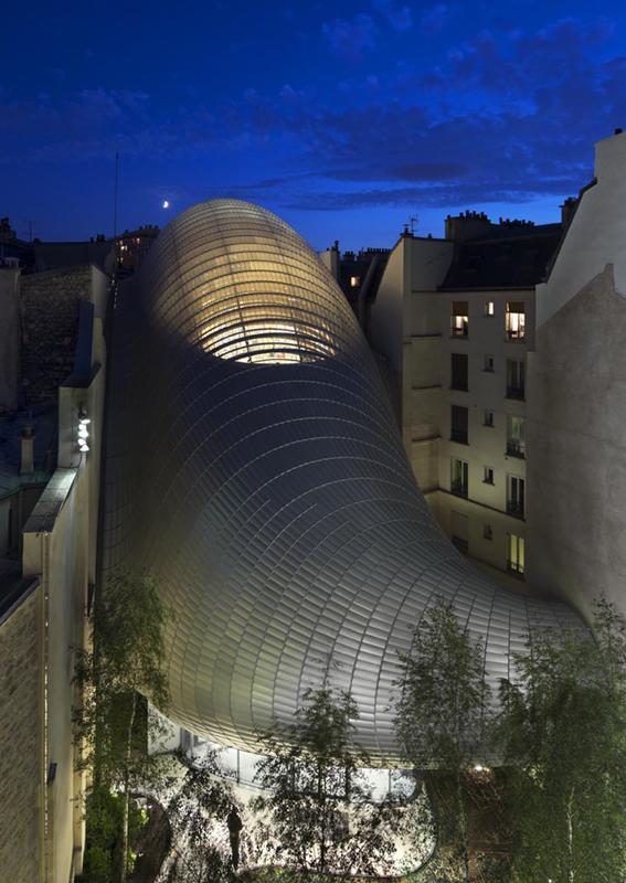 PatheFondation_Paris_bynight_external