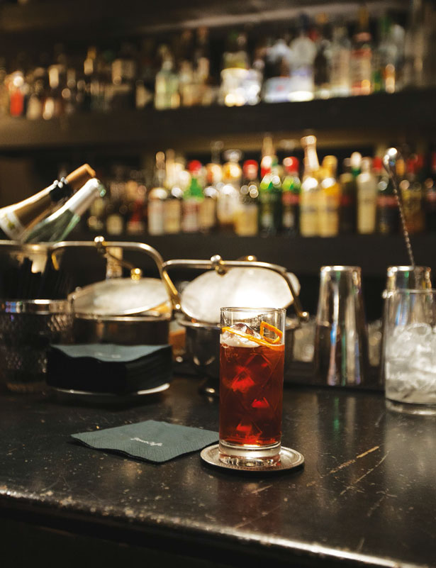 Deuscafè_interior_bar_drink (4)