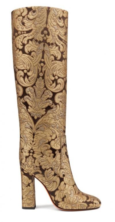 Le scarpe e gli stivali della nuova collezione sono damascati e broccati, caratterizzati da eleganza e contemporaneità vintage