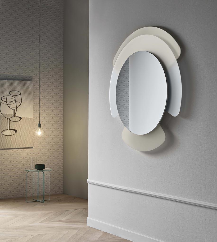 Donne designer cristina celestino the moodboarders - Lastre di specchio ...