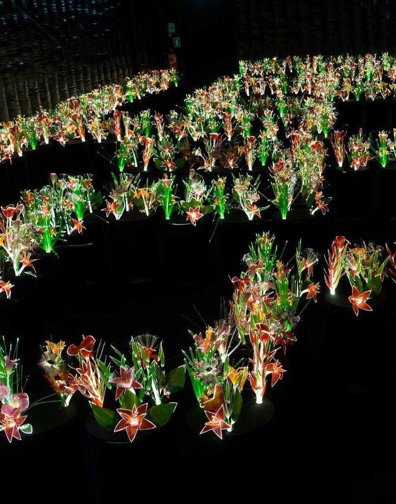 garden-of-eden-joana-vasconcelos-bright-flowers
