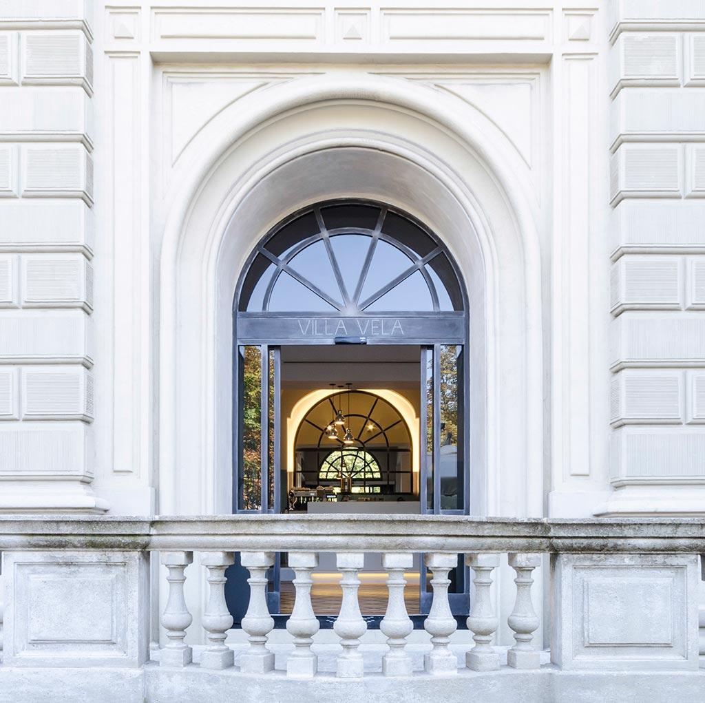 L'ingresso di Villa Vela, a Torino. Foto Elia Barbieri