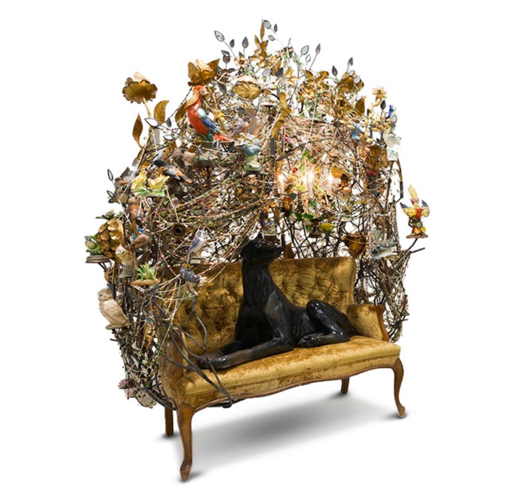 """L'artista stesso definisce le sue opere """"uno spettacolo bizzarro e psichedelico"""", dotato di una grande carica di energia."""